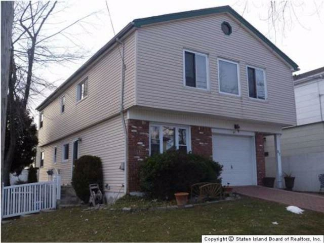 3 BR,  1.00 BTH  High ranch style home in Great Kills